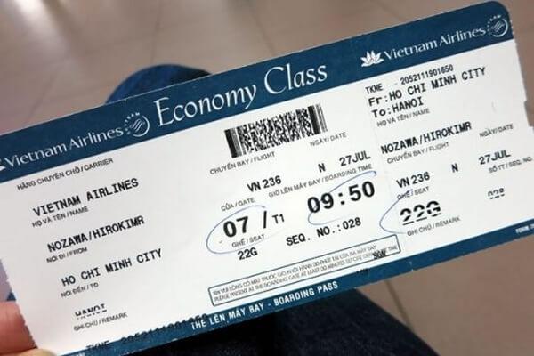 Vé máy bay thanh toán bằng thẻ ATM cá nhân có được tính thuế TNDN?