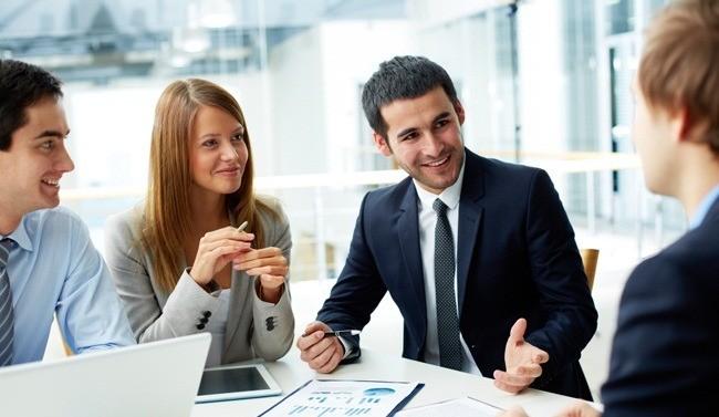 Giữ chân khách hàng cũ hay tìm kiếm khách hàng mới quan trọng hơn?